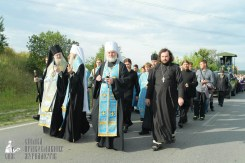 easter_procession_ukraine_pochaev_sr_0402
