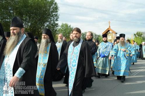 easter_procession_ukraine_pochaev_sr_0409