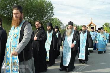 easter_procession_ukraine_pochaev_sr_0411