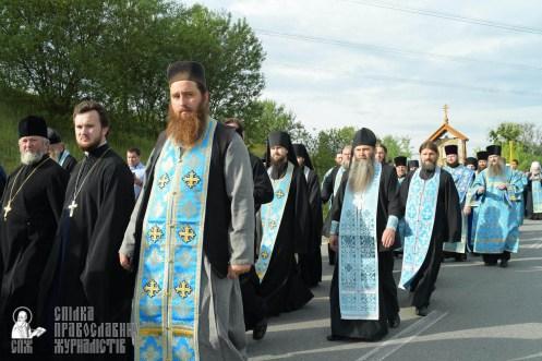 easter_procession_ukraine_pochaev_sr_0412