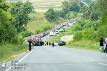 easter_procession_ukraine_pochaev_sr_0444