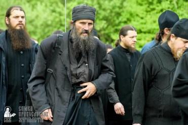 easter_procession_ukraine_pochaev_sr_0460