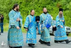 easter_procession_ukraine_pochaev_sr_0466