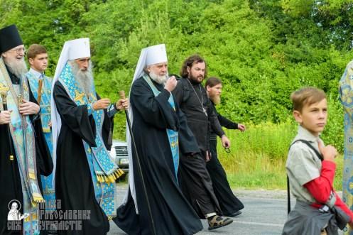 easter_procession_ukraine_pochaev_sr_0472
