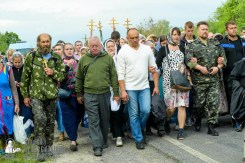 easter_procession_ukraine_pochaev_sr_0479