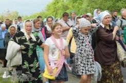 easter_procession_ukraine_pochaev_sr_0490