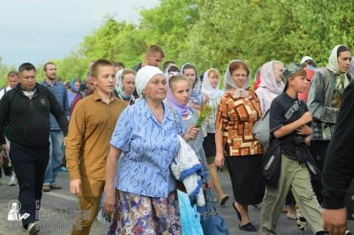 easter_procession_ukraine_pochaev_sr_0494