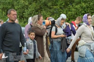 easter_procession_ukraine_pochaev_sr_0503
