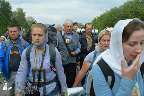 easter_procession_ukraine_pochaev_sr_0546