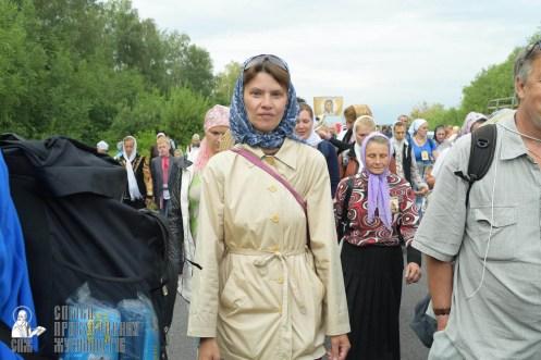 easter_procession_ukraine_pochaev_sr_0572