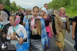 easter_procession_ukraine_pochaev_sr_0597