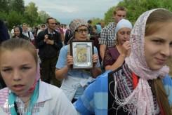 easter_procession_ukraine_pochaev_sr_0598