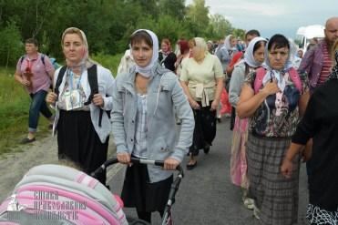 easter_procession_ukraine_pochaev_sr_0603