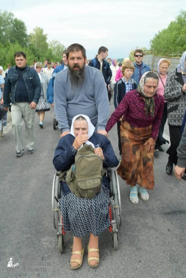 easter_procession_ukraine_pochaev_sr_0644