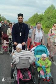 easter_procession_ukraine_pochaev_sr_0656