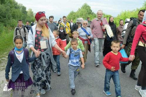 easter_procession_ukraine_pochaev_sr_0665