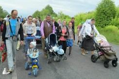 easter_procession_ukraine_pochaev_sr_0669