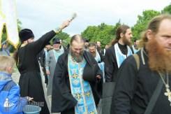 easter_procession_ukraine_pochaev_sr_0688