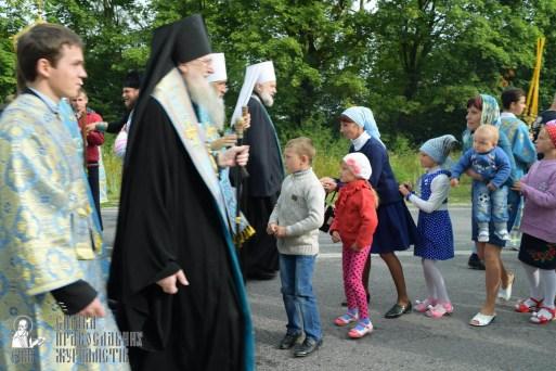 easter_procession_ukraine_pochaev_sr_0706