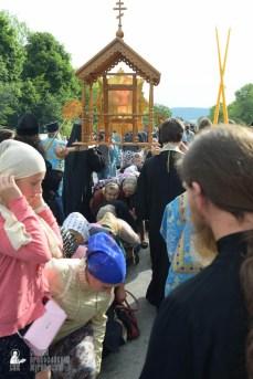 easter_procession_ukraine_pochaev_sr_0707