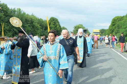 easter_procession_ukraine_pochaev_sr_0719