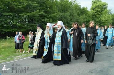 easter_procession_ukraine_pochaev_sr_0728