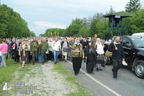 easter_procession_ukraine_pochaev_sr_0742