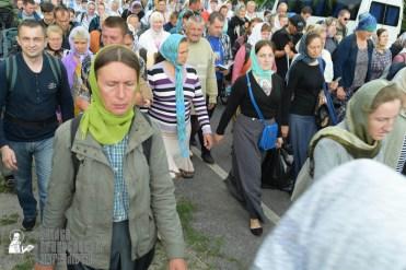easter_procession_ukraine_pochaev_sr_0754