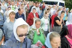 easter_procession_ukraine_pochaev_sr_0756