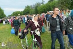 easter_procession_ukraine_pochaev_sr_0759