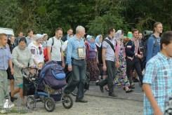 easter_procession_ukraine_pochaev_sr_0765
