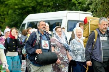 easter_procession_ukraine_pochaev_sr_0804