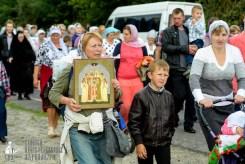 easter_procession_ukraine_pochaev_sr_0808