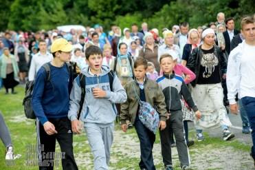easter_procession_ukraine_pochaev_sr_0814