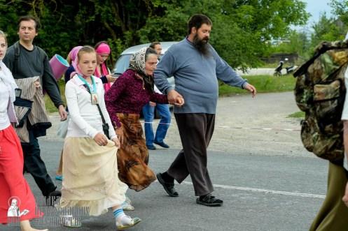 easter_procession_ukraine_pochaev_sr_0827