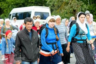 easter_procession_ukraine_pochaev_sr_0836