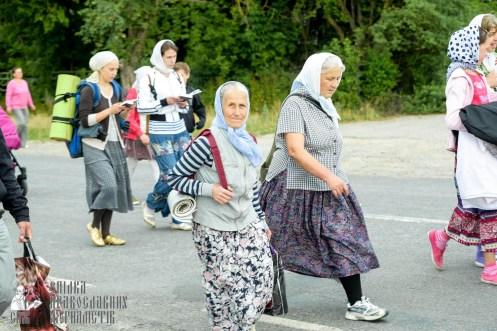 easter_procession_ukraine_pochaev_sr_0838