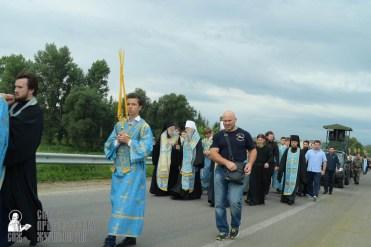 easter_procession_ukraine_pochaev_sr_0863