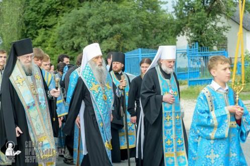 easter_procession_ukraine_pochaev_sr_0908