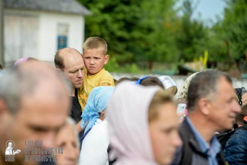 easter_procession_ukraine_pochaev_sr_0916