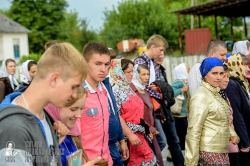 easter_procession_ukraine_pochaev_sr_0927