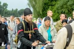 easter_procession_ukraine_pochaev_sr_0936