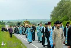 easter_procession_ukraine_pochaev_sr_0951