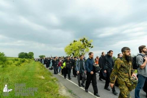 easter_procession_ukraine_pochaev_sr_0991