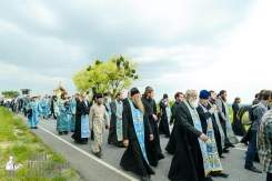 easter_procession_ukraine_pochaev_sr_0995