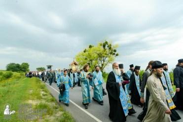 easter_procession_ukraine_pochaev_sr_0997