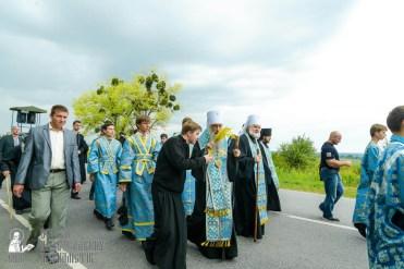 easter_procession_ukraine_pochaev_sr_1008