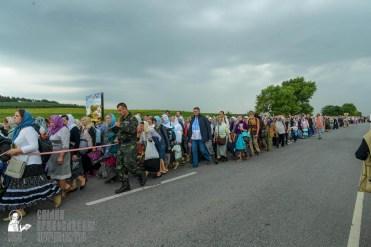 easter_procession_ukraine_pochaev_sr_1031