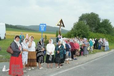 easter_procession_ukraine_pochaev_sr_1042