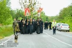 easter_procession_ukraine_pochaev_sr_1070